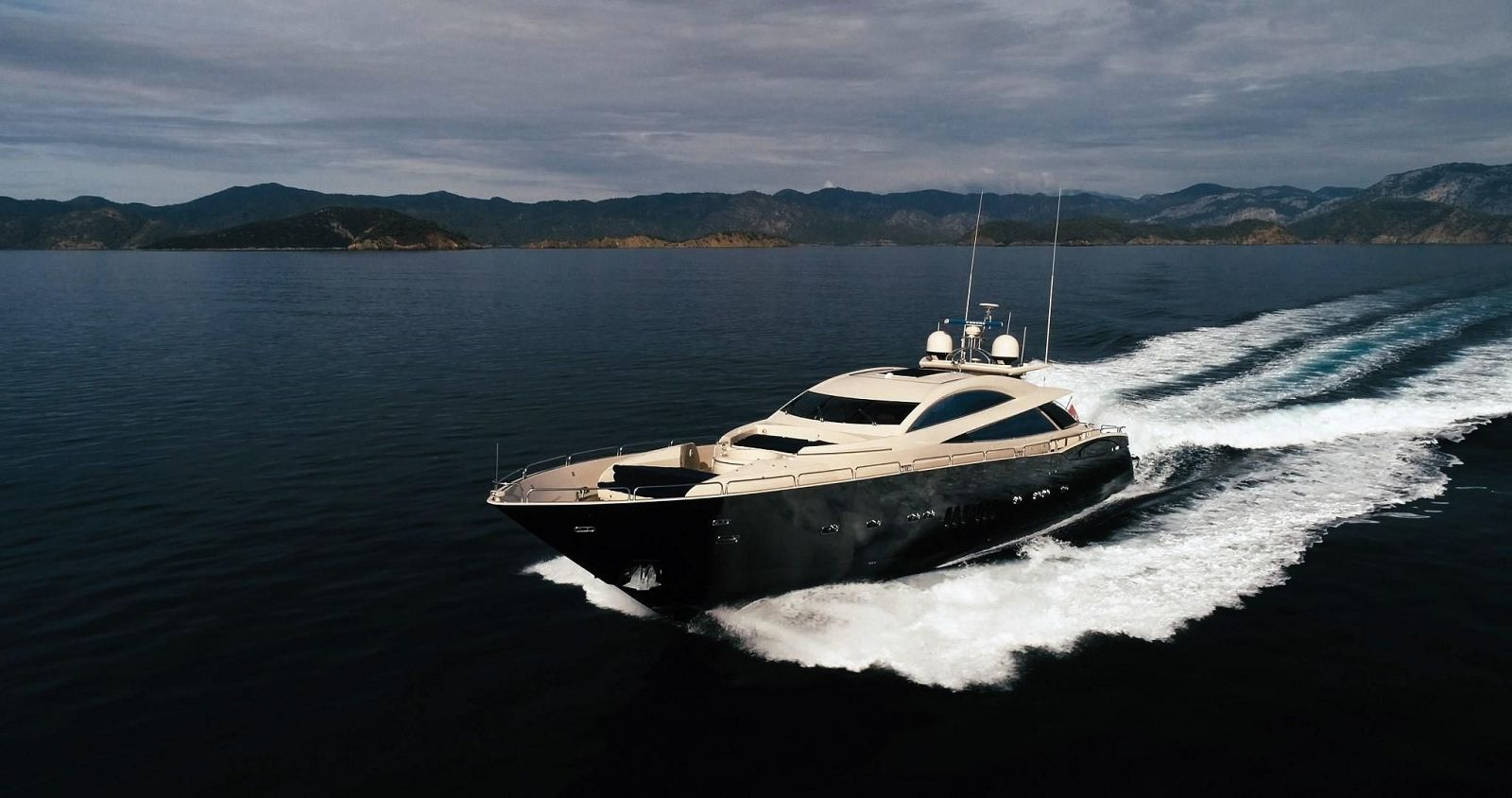used Sunseeker 108 predator yacht for sale