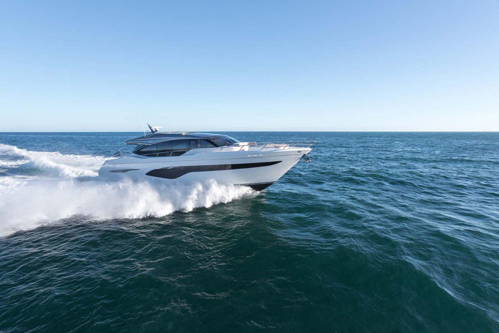 Princess V78 Yacht running