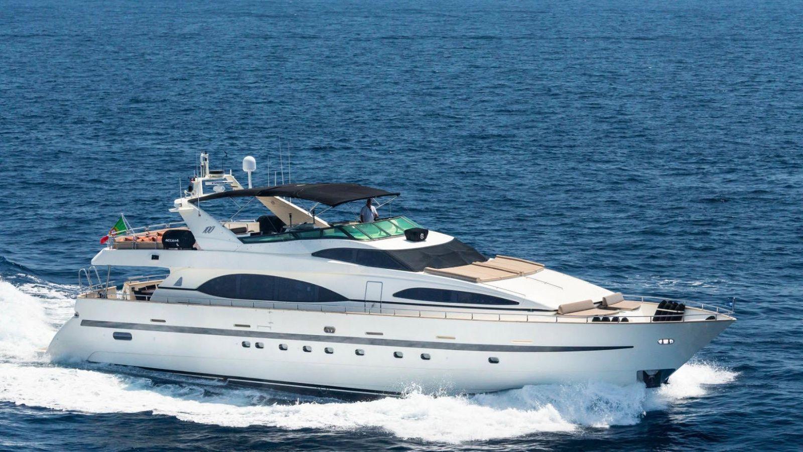azimut yachts 102