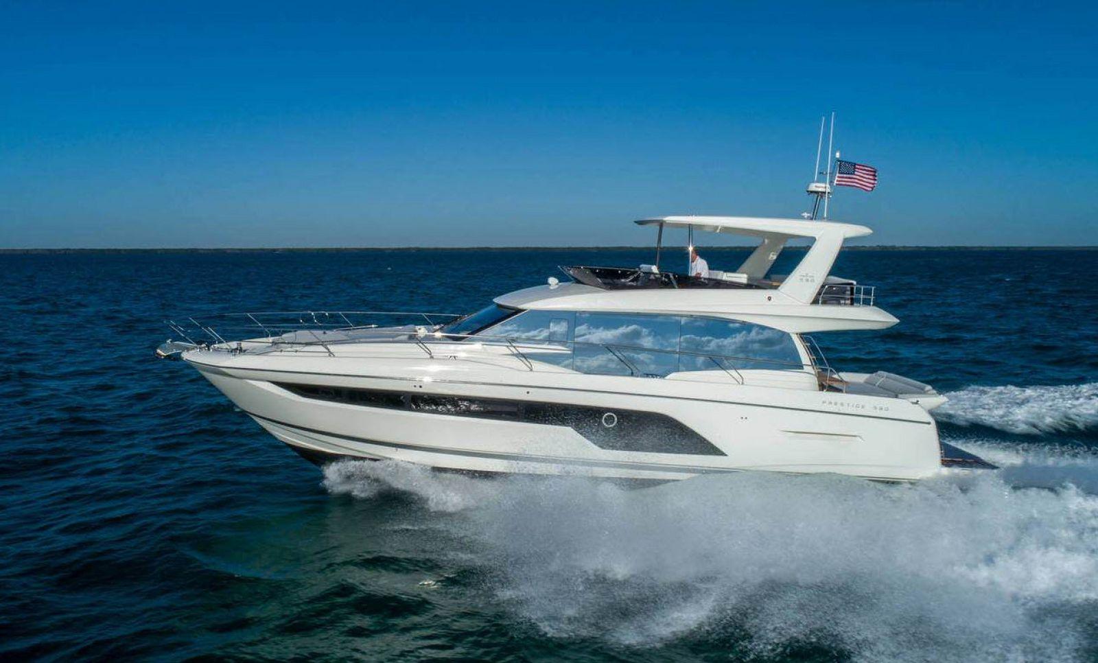 Prestige 590 Flybridge Yacht