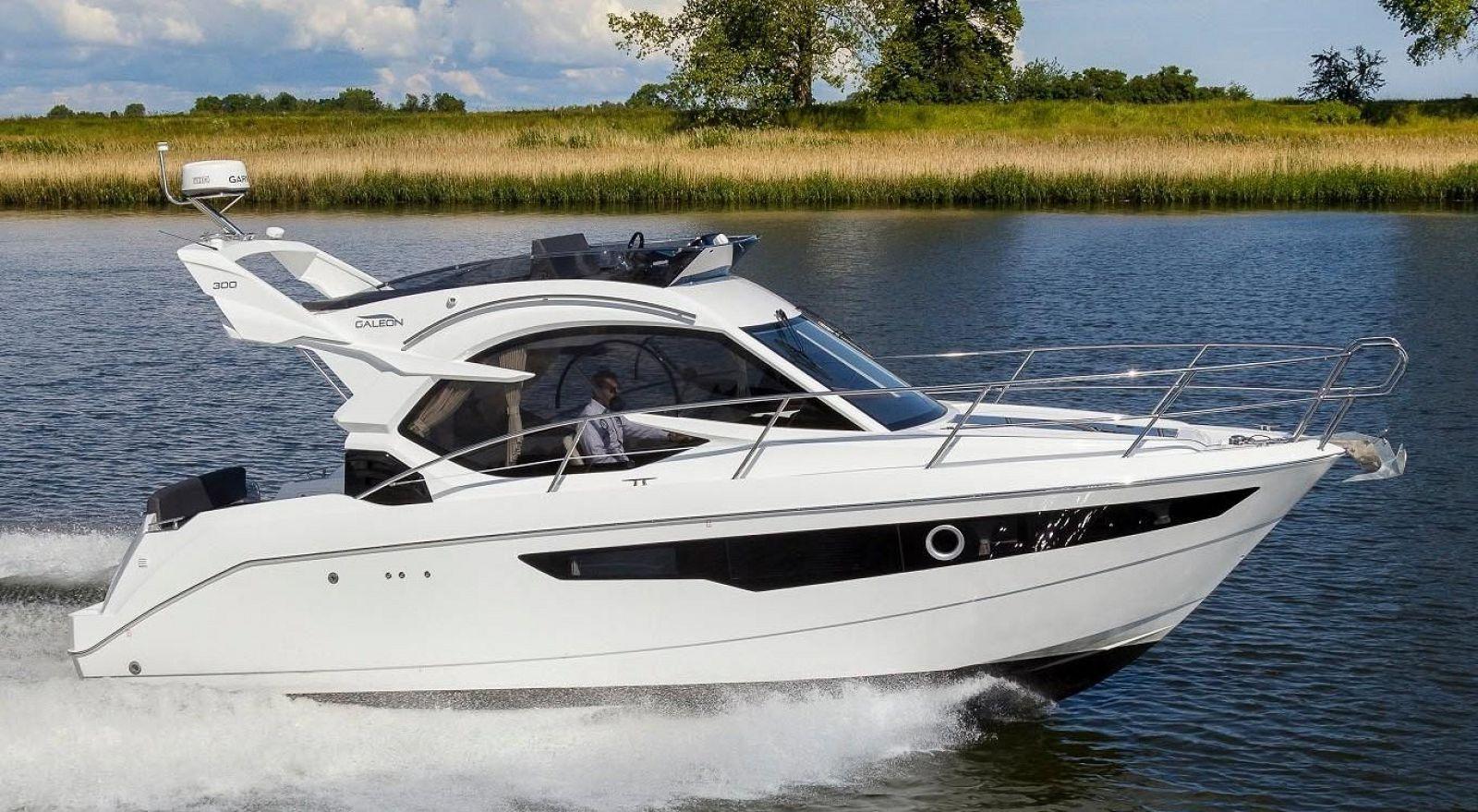 galeon yachts 300