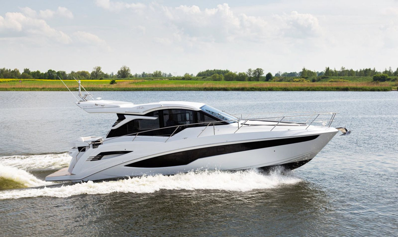 galeon 425 hts yacht for sale