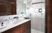 Master En Suite Bath on V78
