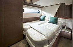 fourth guest cabin beds