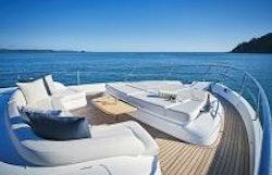 Bow Lounge with sunpads flat