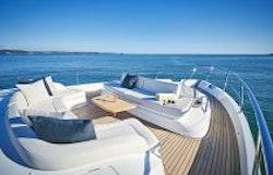 Bow Lounge With Sunpad Seat Up