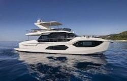 absolute yachts 60 starboard profile